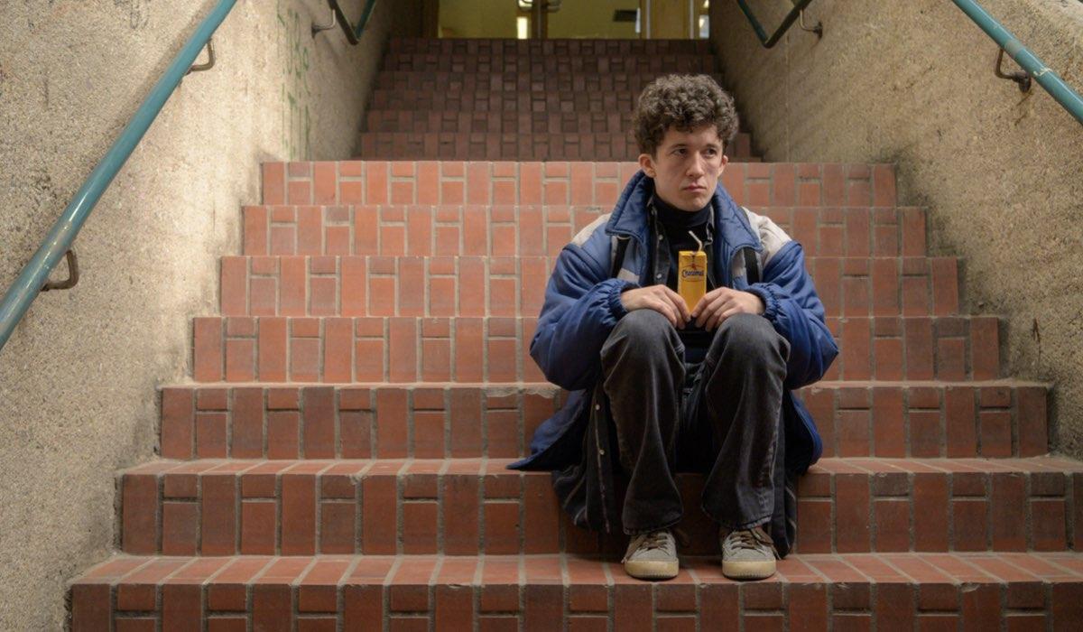 Maximilian Mundt nei panni di Moritz in una scena della stagione 2 di Come vendere droga online (in fretta). Credits Netflix
