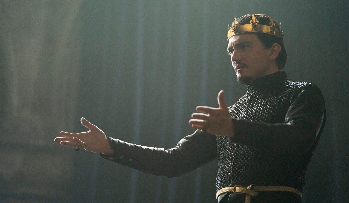 Sebastian Armesto è Re Uther in Cursed episodio 1 Credits Netflix