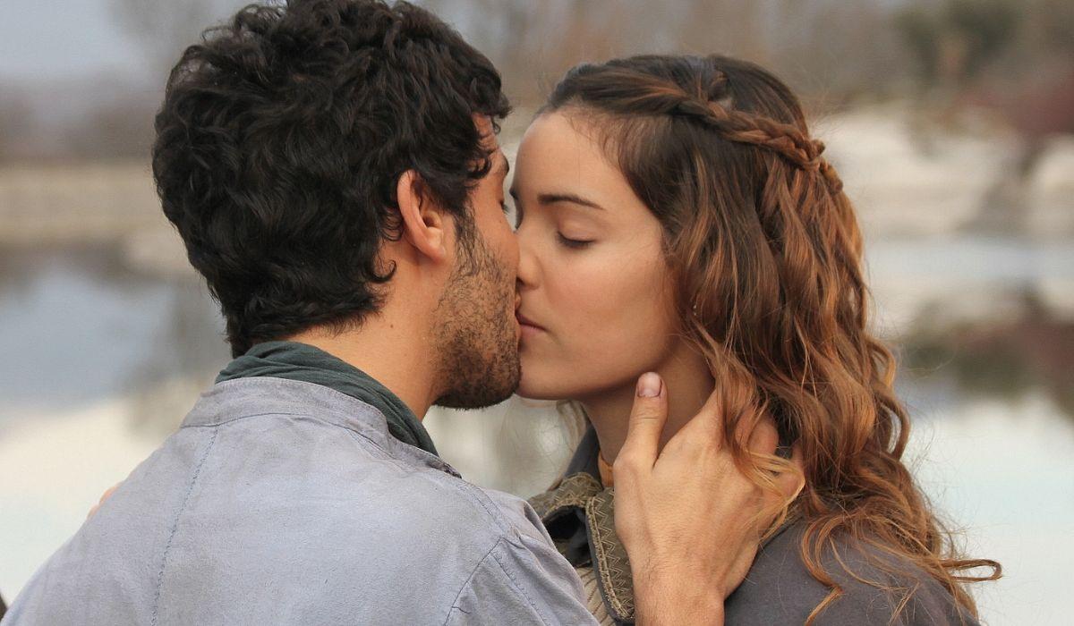 Soledad e Juan ne Il Segreto, Credits ATRESMEDIA TELEVISION e Mediaset