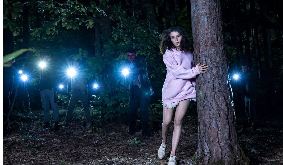 Alice Pagani in Non mi uccidere, Credits Riccardo Ghilardi e Warner Bros.