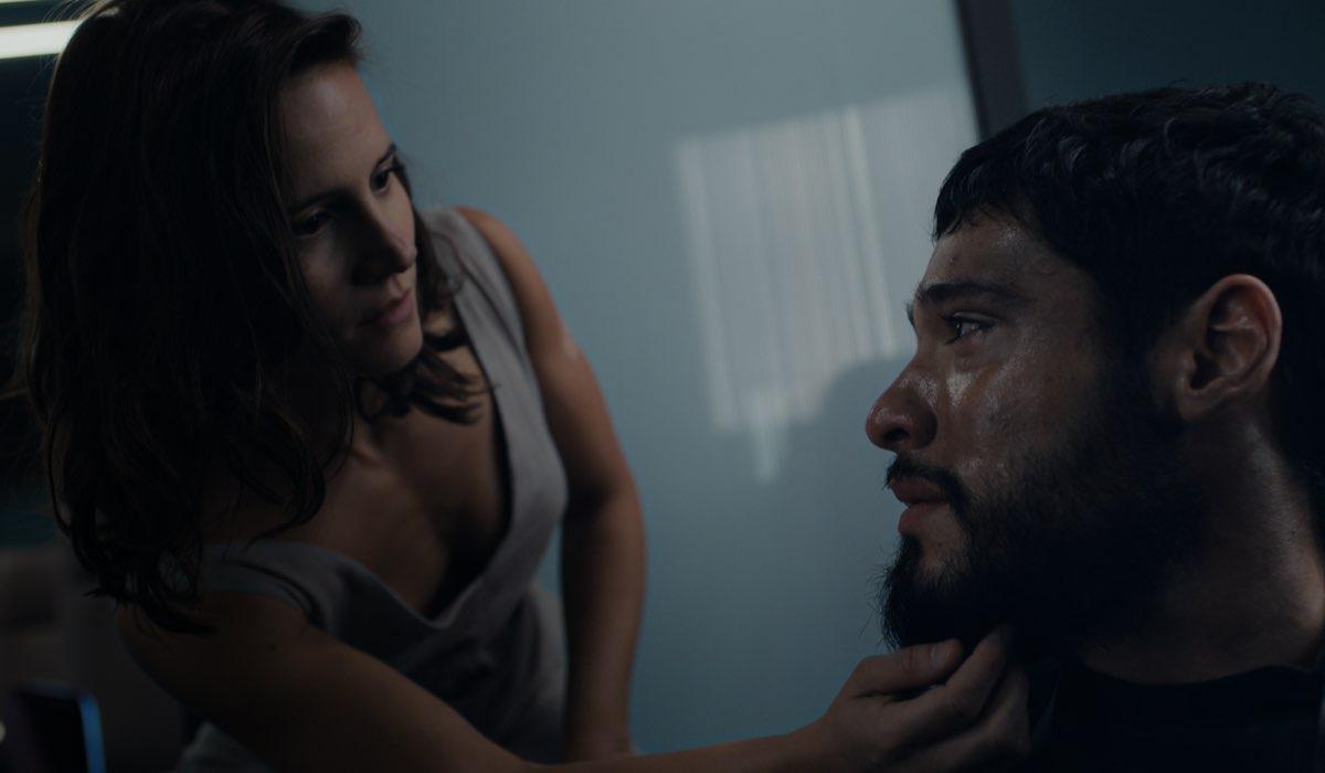 Bianca Comparato e Bruno Fagundes sono Michele e André in una scena di 3%. Credits: Courtesy of Netflix