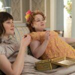 Da sinistra: Claudia Jessie (Eloise Bridgerton) e Nicola Coughlan (Penelope Featherington) in Bridgerton. Credits: Liam Daniel/Netflix.