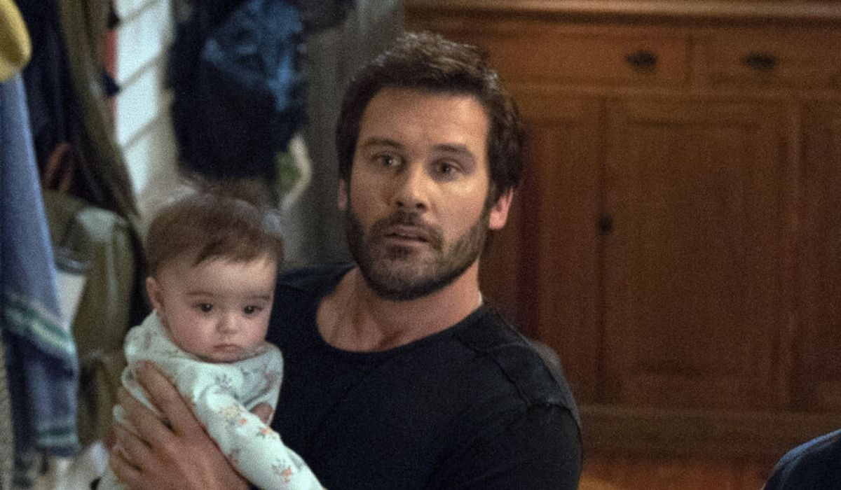 Clive Standen è Anthony Lavelle in Council of Dads Credits 2020 NBCUniversal