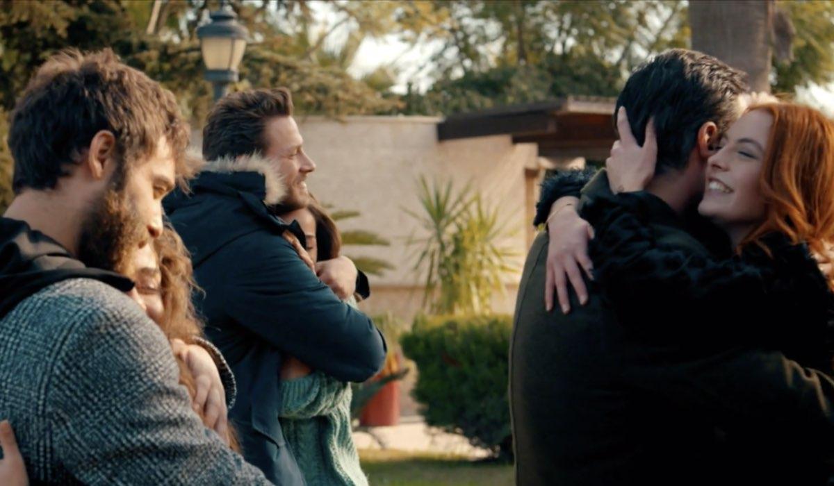 Come Sorelle Una delle ultime scene dell'episodio 8 Credits Mediaset