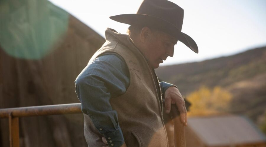Kevin Costner è John Dutton in Yellowstone 2 stagione Credits Sky
