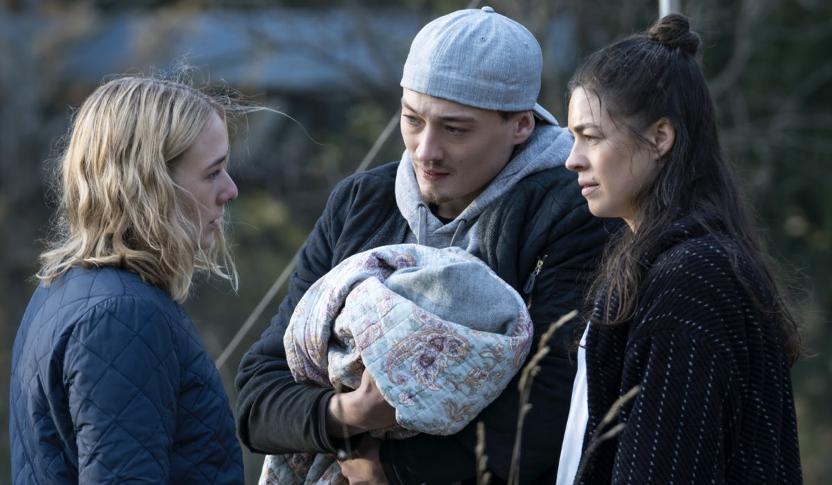 Una scena The Rain 3 ultima puntata, qui Alba August, Lukas Lokken, Natalie Madueno Credits Per Arnesen e Netflix