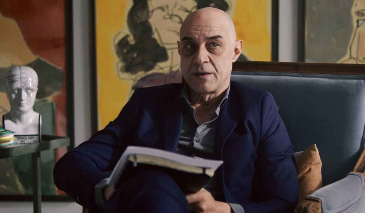 Vis a Vis L'Oasis Carlos Sandoval nell'episodio 7 Credits Netflix
