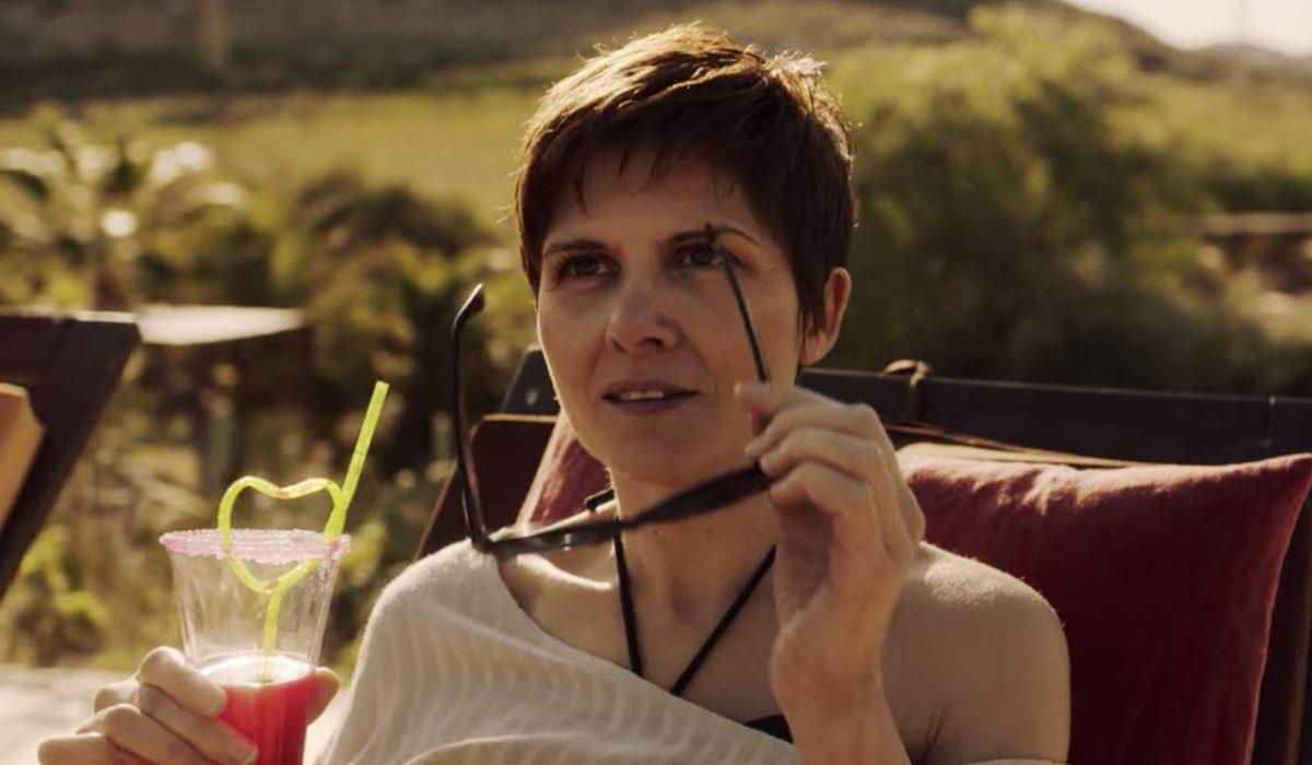 Vis a Vis L'Oasis Laura detta Flaca nell'episodio 1 Credits Netflix