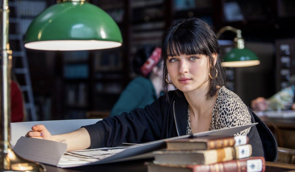 Alice Pagani nei panni di Ludovica nel sesto episodio della terza stagione. Credits: Netflix