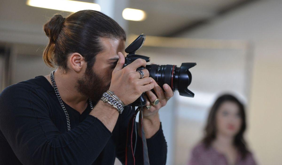 Can fotografa un progetto in Daydreamer Credits GLOBAL TELIF HAKLARI YAPIMCILIK TIC. A.S.