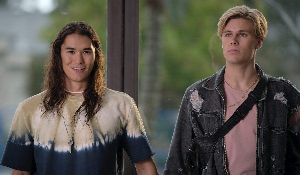 Da sinistra Booboo Stewart (Willie) e Owen Patrick Joyner (Alex) in Julie and The Phantoms. Courtesy of Netflix