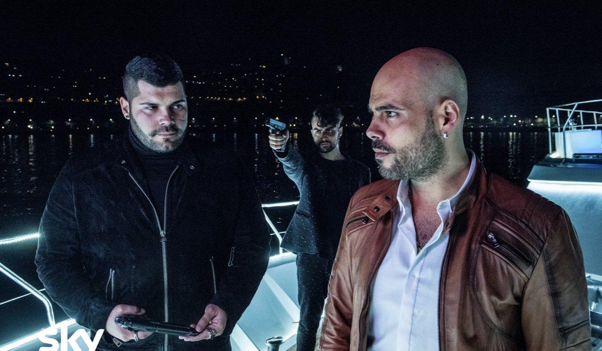 Da sinistra: Salvatore Esposito e Marco D'Amore in una scena di Gomorra 3. Ph Credits Sky