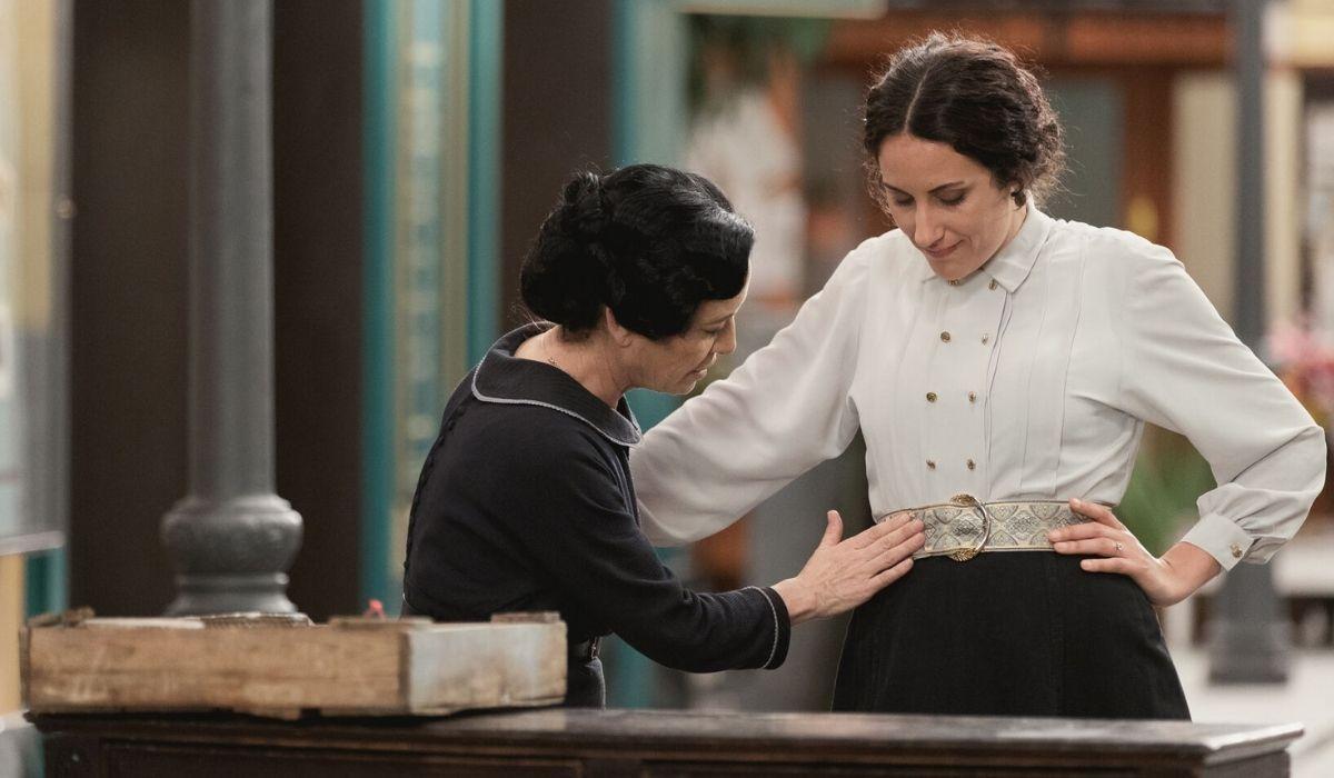 Fabiana e Lolita in Una Vita Credits BOOMERANG TV e Mediaset