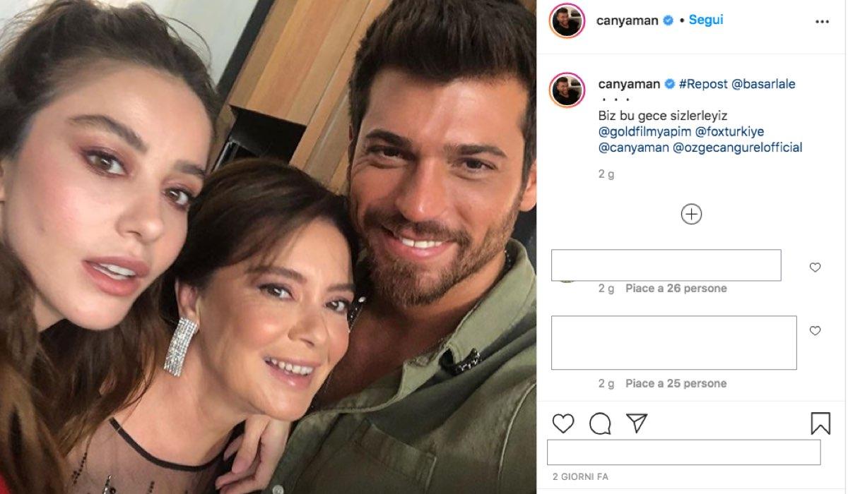 La foto pubblicata da Can Yaman su Instagram il 25 settembre 2020 con cui dà appuntamento ai fan di Mr False per quella sera