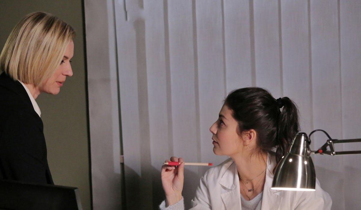 L'allieva 3 La Suprema e Alice interpretate da Antonia Liskova e Alessandra Mastronardi Credits P. Bruni e RAI