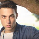 Matteo Paolillo interpreta Edoardo Conte nella fiction Mare fuori, qui in un posato Credits Fabrizio Stefan