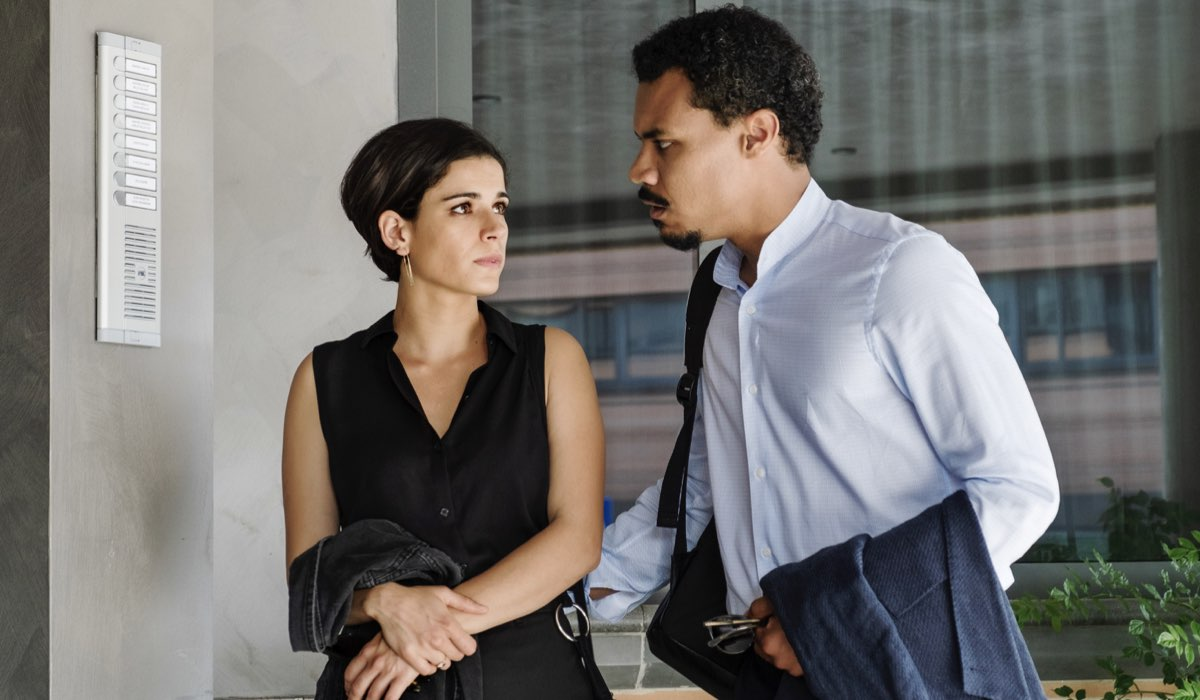 Nero a metà 2 stagione, qui una scena con Alba e Malik interpretati da Rosa Diletta Rossi e Miguel Gobbo Diaz Credits RAI