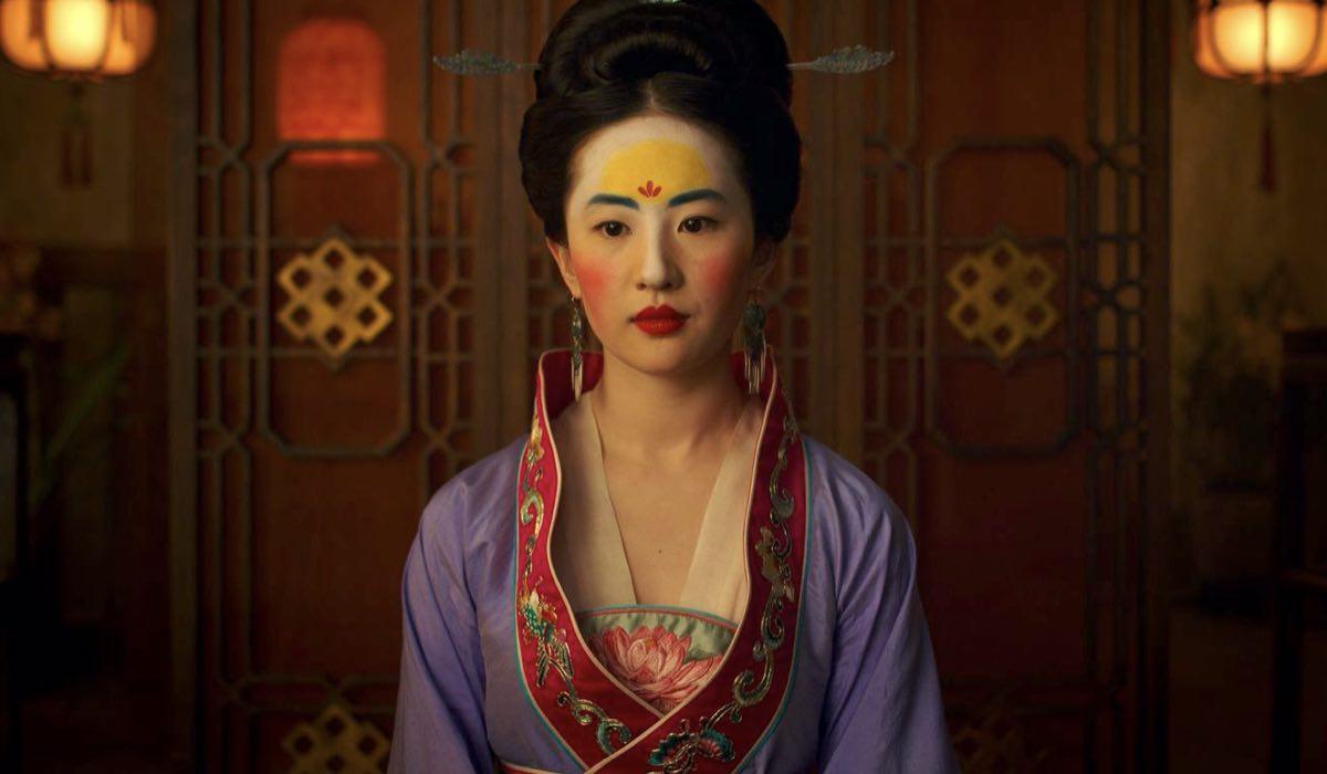 Yifei Liu è Mulan nel live action 2020 credits Walt Disney Company Italia e Disney+