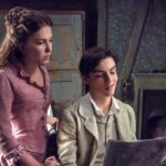 Millie Bobby Brown E Louis Partridge In Enola Holmes. Credits: Alex Bailey/Legendary © 2020 E Netflix