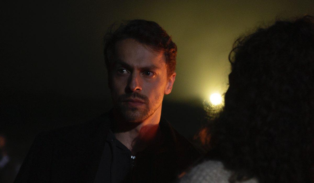 The Gift: Metin Akdulger nel quinto episodio della prima stagione. Credits: Netflix/Yigit Eken