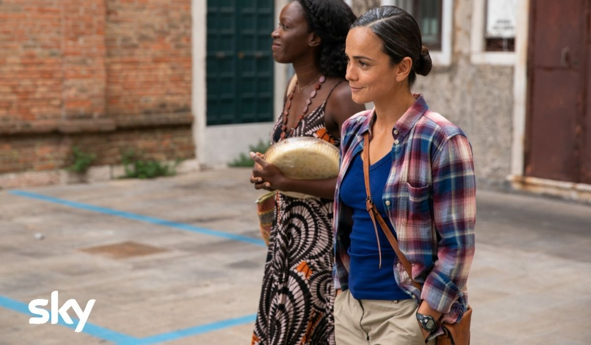 Alice Braga è Maggie in We Are Who We Are. Credits Yannis Drakoulidis e Sky Italia
