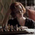 Anya Taylor-Joy in una scena de La regina degli scacchi. Credits: Phil Bray/Netflix