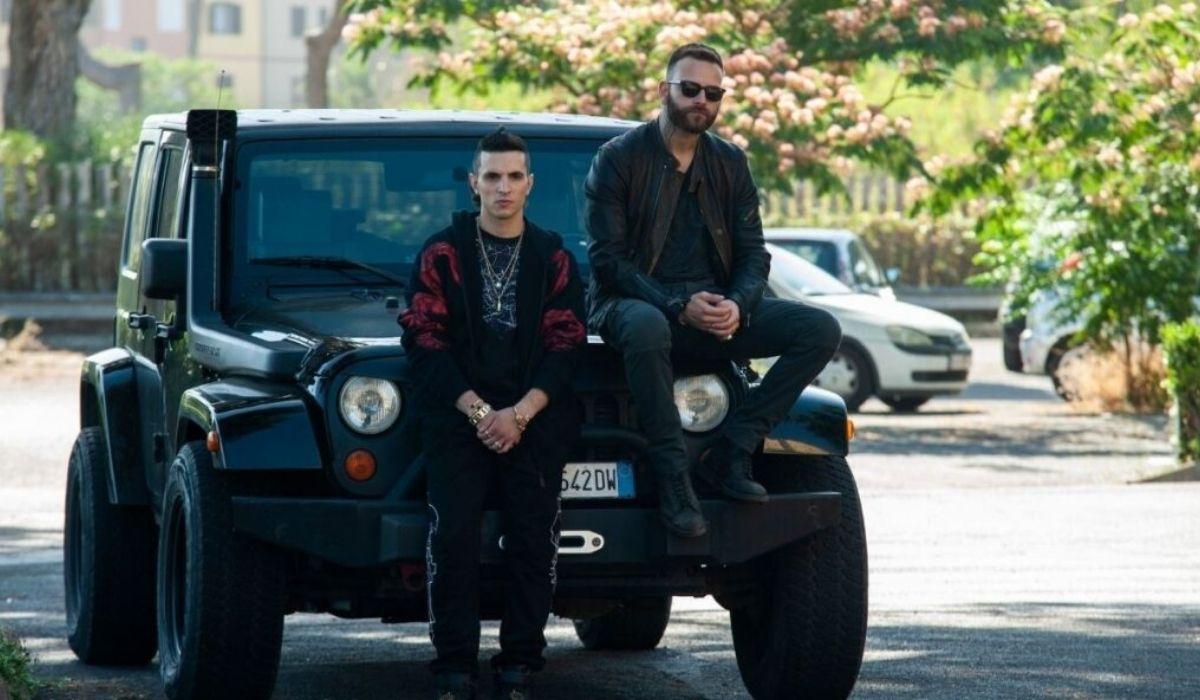 Giacomo Ferrara e Alessandro Borghi in Suburra 2 stagione, Credits Emanuela Scarpa e Netflix