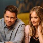 Greg Poehler e Rachel Blanchard in You Me Her serie tv Credits Audience Network e Netflix