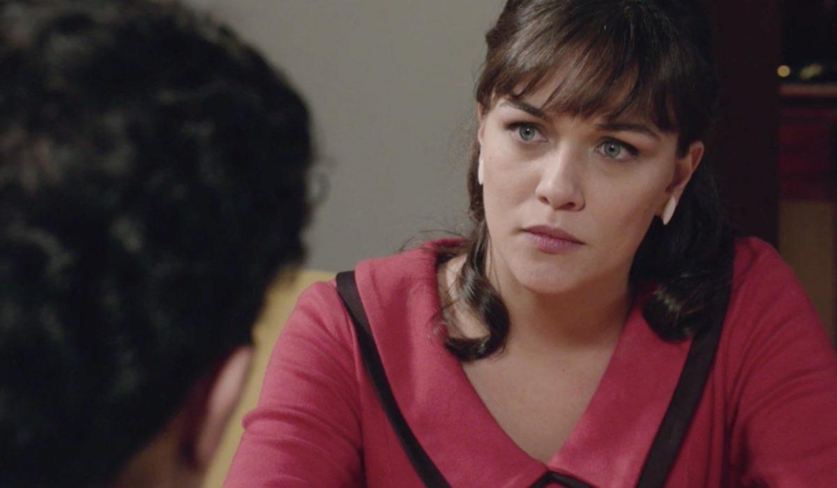 Il Paradiso delle Signore 4 Marta interpretata da Gloria Radulescu mentre discute con Vittorio nella puntata 154 Credits RAI