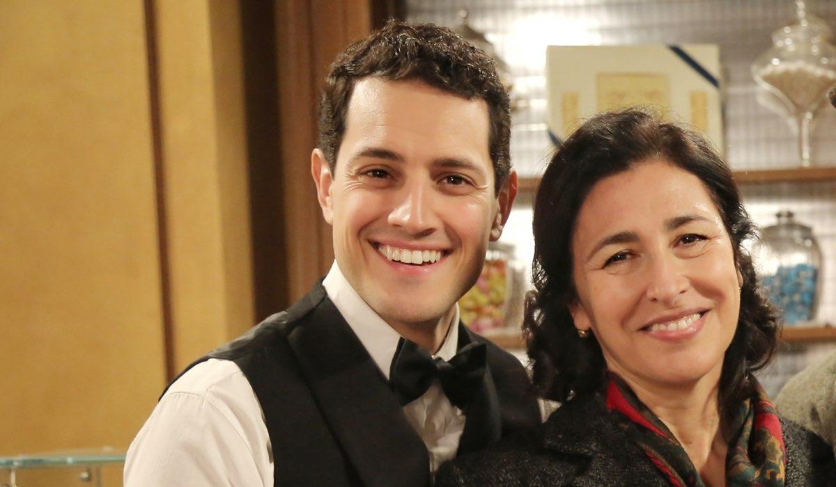Il Paradiso delle Signore 4 Salvatore e Agnese Amato interpretati da Emanuel Caserio e Antonella Attili, qui in Caffetteria Credits P. Bruni e RAI