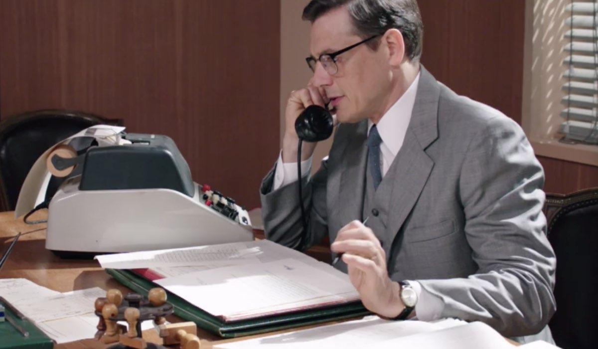 Il Paradiso delle Signore 5 Luciano Cattaneo interpretato da Giorgio Lupano, qui al telefono nella puntata 1 Credits RAI