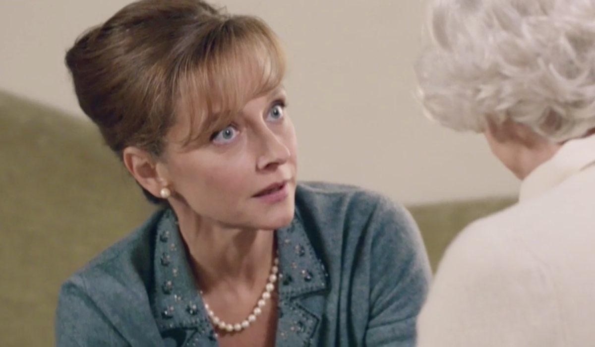 Il Paradiso delle Signore 5 Silvia Cattaneo interpretata da Marta Richeldi, qui nella puntata 10 mentre parla con zia Ernesta Credits RAI