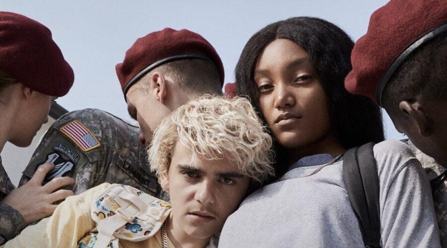 Jack Dylan Grazer e Jordan Kristine Seamón sono Fraser e Caitlin nel poster di We Are Who We Are. Credits: HBO/Sky Italia