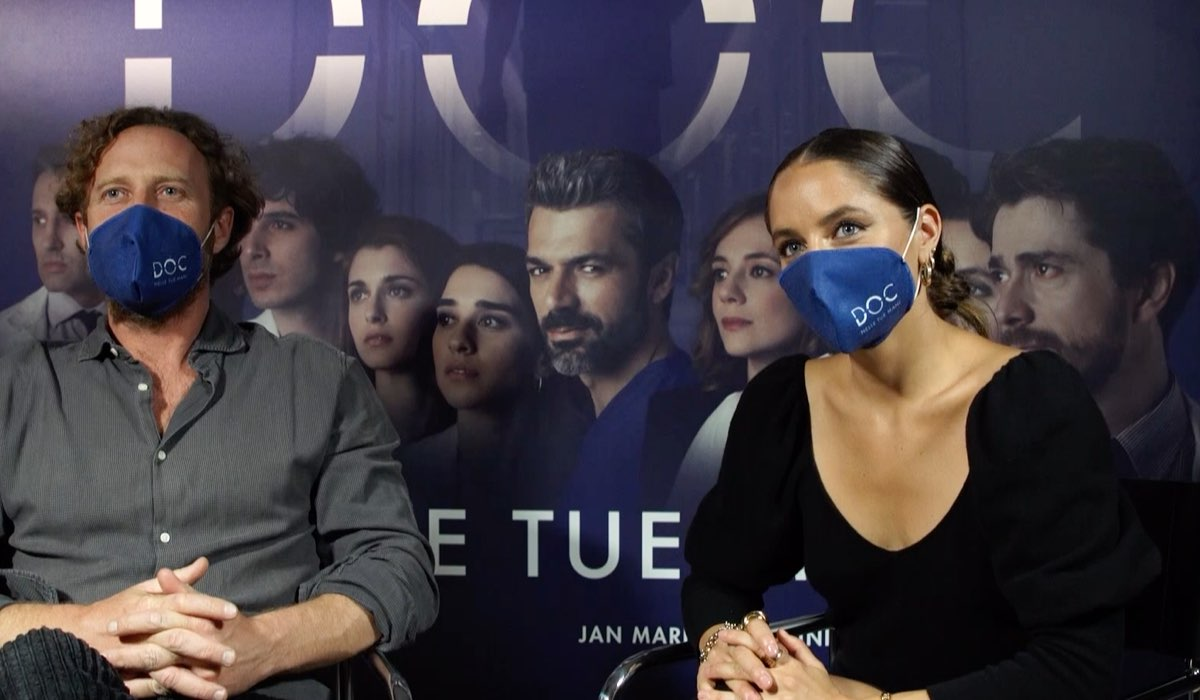 Jan Maria Michelini e Matilde Gioli durante la conferenza stampa dei nuovi episodi di Doc - Nelle tue mani dell'8 ottobre 2020 Credits Coming Soon Services e RAI