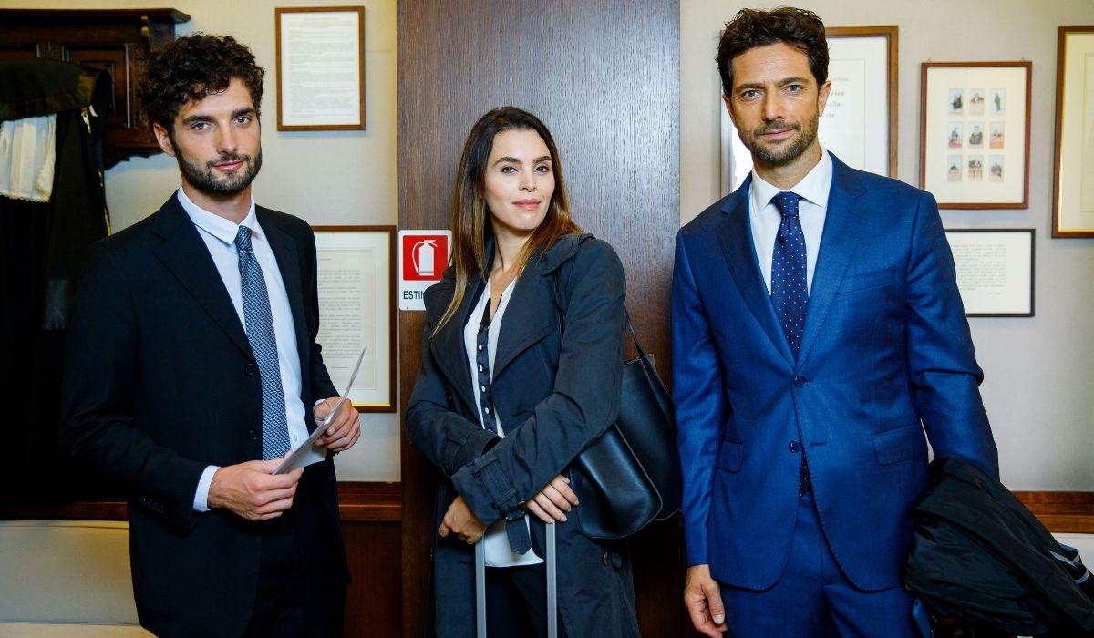 Una scena con gli avvocati di Un posto al sole Credits Rai