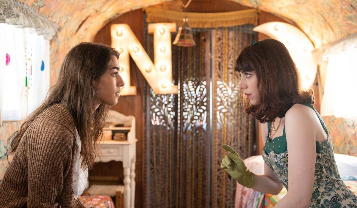 """Da sinistra: Simona Tabasco (Nora) e Lia Grieco (Rosa) in """"Luna Park"""". Credits: Netflix."""