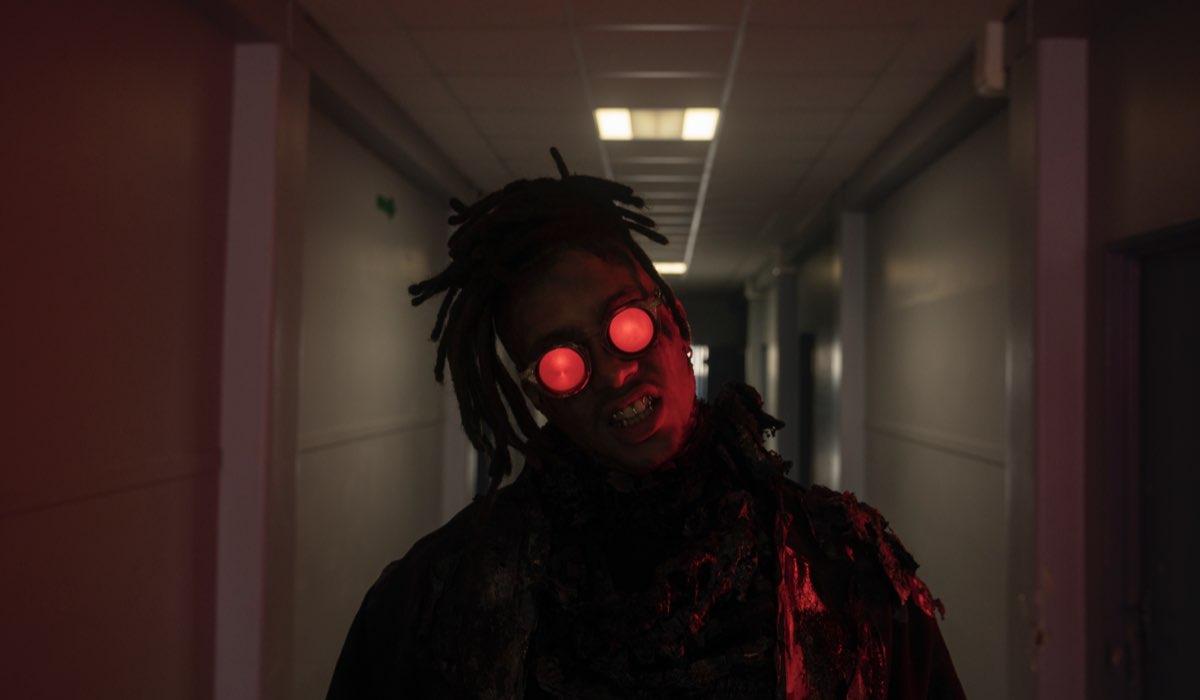 """Corentin Fila nei panni di Obé in """"Mortale"""". Credits: Lou Faulon/Netflix."""