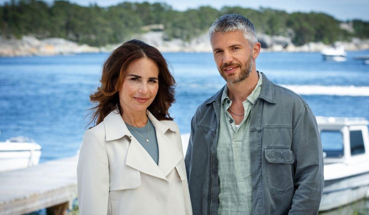 Alexandra Rapaport e Cleve Broch in Omicidi a Sandhamn Credits Giallo