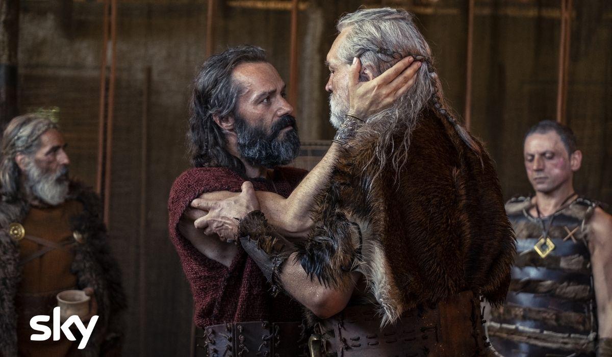 Da sinistra Sergio Romano è Amulius, Emilio De Marchi è Ertas in Romulus Credits Francesca Fago e Sky