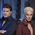 David Boreanaz e James Marsters sono Angel e Spike in Angel 5 credits The WB