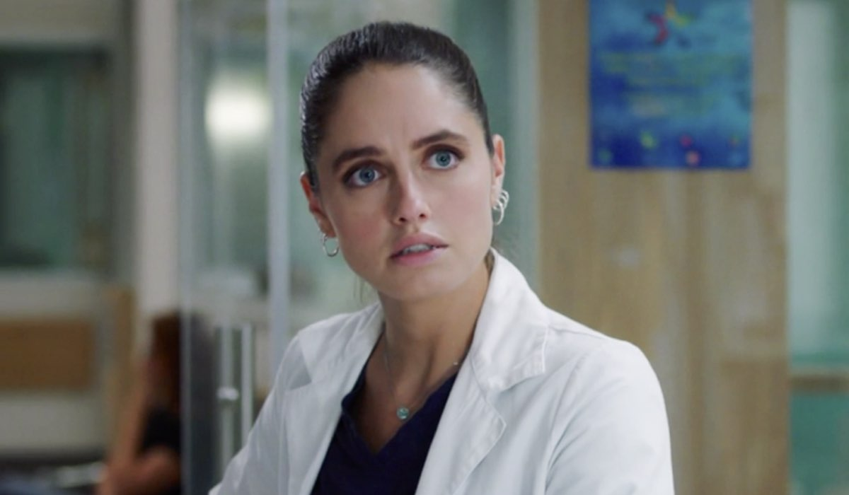 Doc - Nelle tue mani Giulia Giordano interpretata da Matilde Gioli, qui nell'episodio 15 Credits RAI