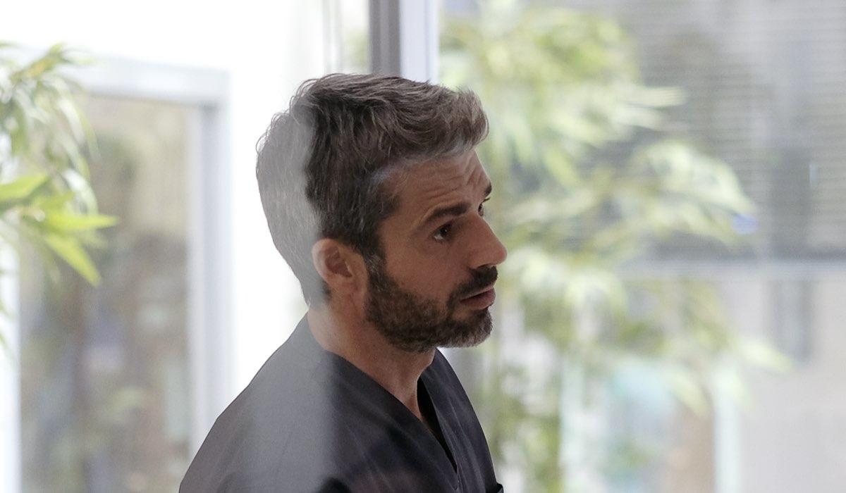 Doc - Nelle tue mani Luca Argentero nei panni di Andrea Fanti, qui in una scena all'interno dell'ospedale Credits RAI