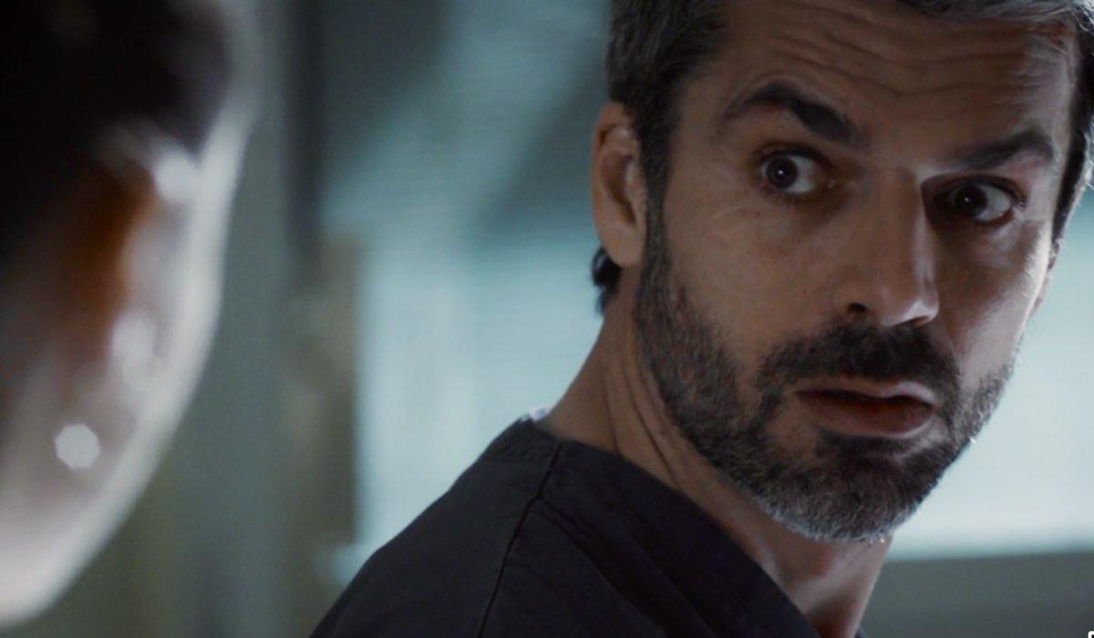 Doc - Nelle tue mani Luca Argentero nei panni di Andrea Fanti, qui in una scena dell'episodio Veleni Credits RAI