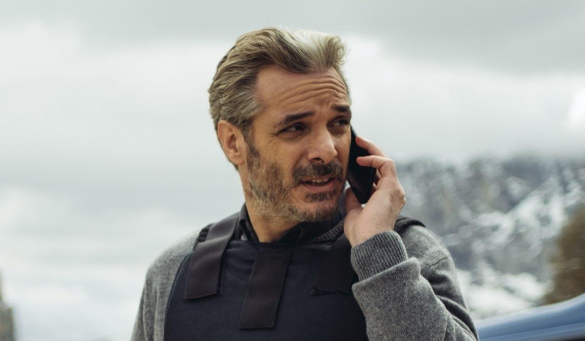 Francesco Colella è Luigi Calasso in Vite in fuga Credits RAI
