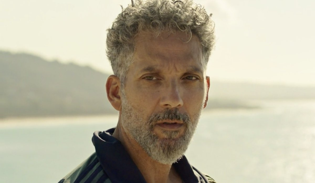 Gli orologi del diavolo Marco Merani interpretato da Giuseppe Fiorello, qua all'inizio del primo episodio Credits RAI