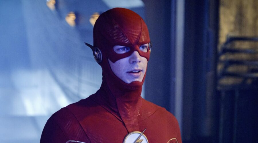 Grant Gustin è Barry in The Flash 6 stagione Credits Mediaset