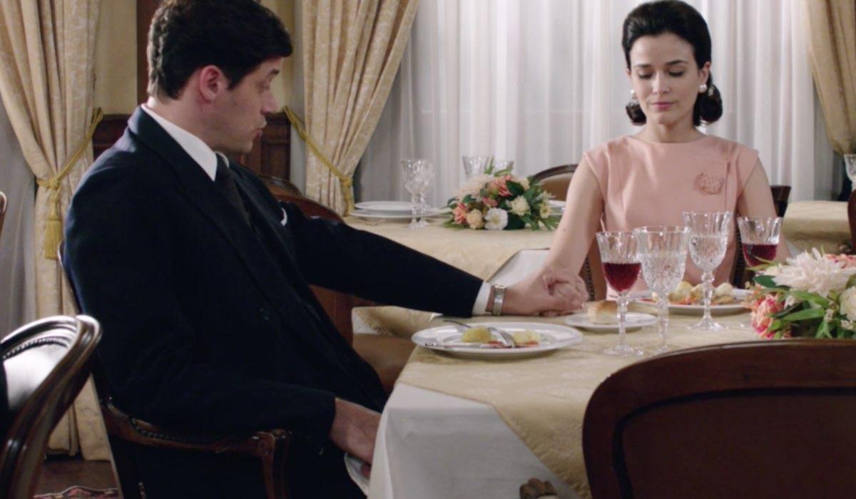 Il Paradiso delle Signore 5 Cosimo Bergamini e Gabriella Rossi interpretati rispettivamente da Alessandro Cosentini e Ilaria Rossi, qui nella puntata 18 Credits RAI