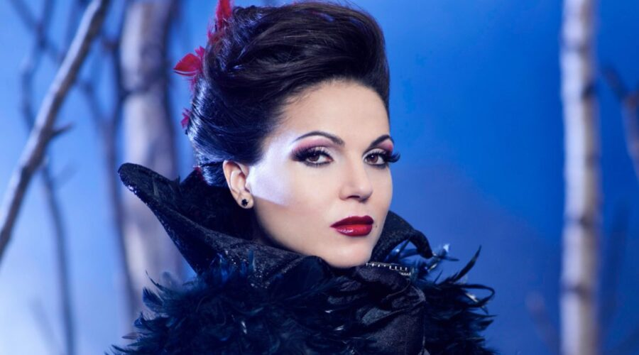 Lana Parrilla nei panni di Regina Mills in Once Upon A Time credits ABC e Disney+