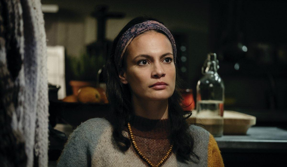 Shalana Santana è Marielita ne L'alligatore Credits RAI