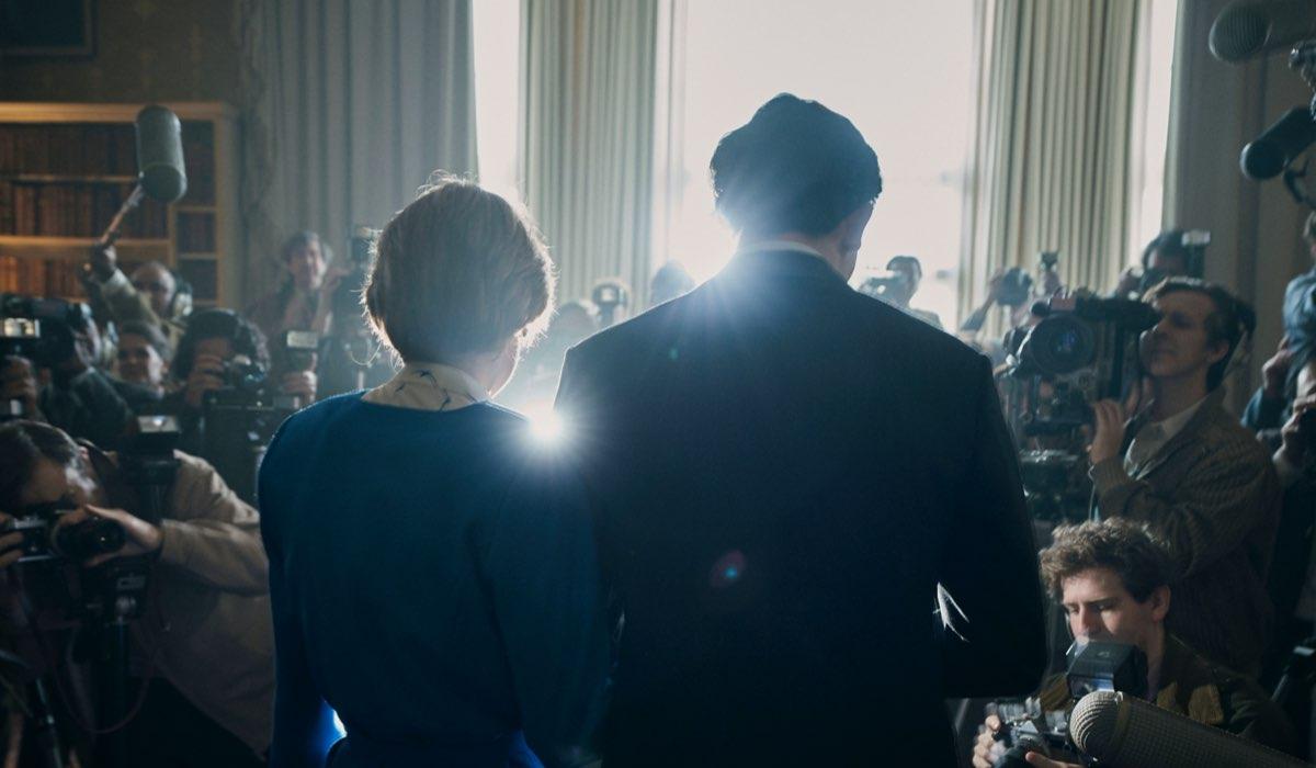 The Crown 4, foto del fidanzamento di Lady Diana e il Principe Carlo, interpretati da Josh O'Connor e Emma Corrin Credits Netflix